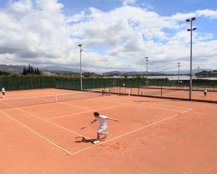 TENNIS COURTS ESTELAR Paipa Hotel & Convention Center Hotel Paipa